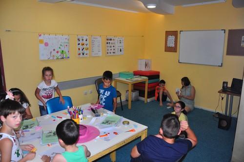 Деца по време на лятна сугестопедична школа по английски език в езиков център KREG