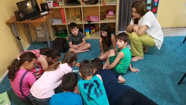 Занимания в лятно езиково училище KREG Варна