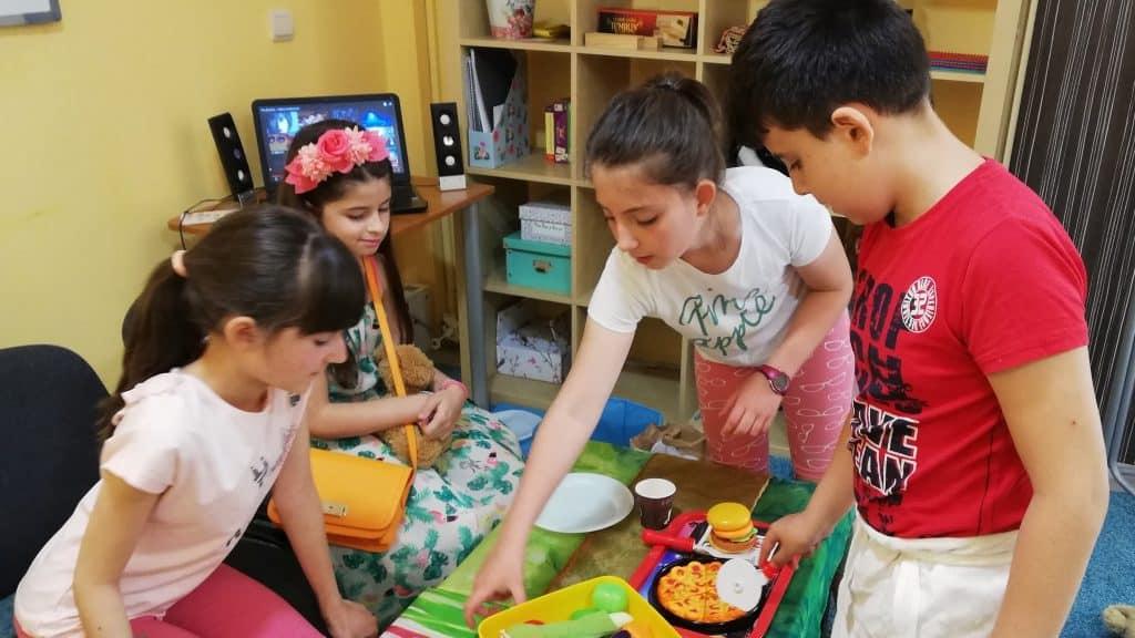 Сугестопедичен курс по английски за деца в КРЕГ